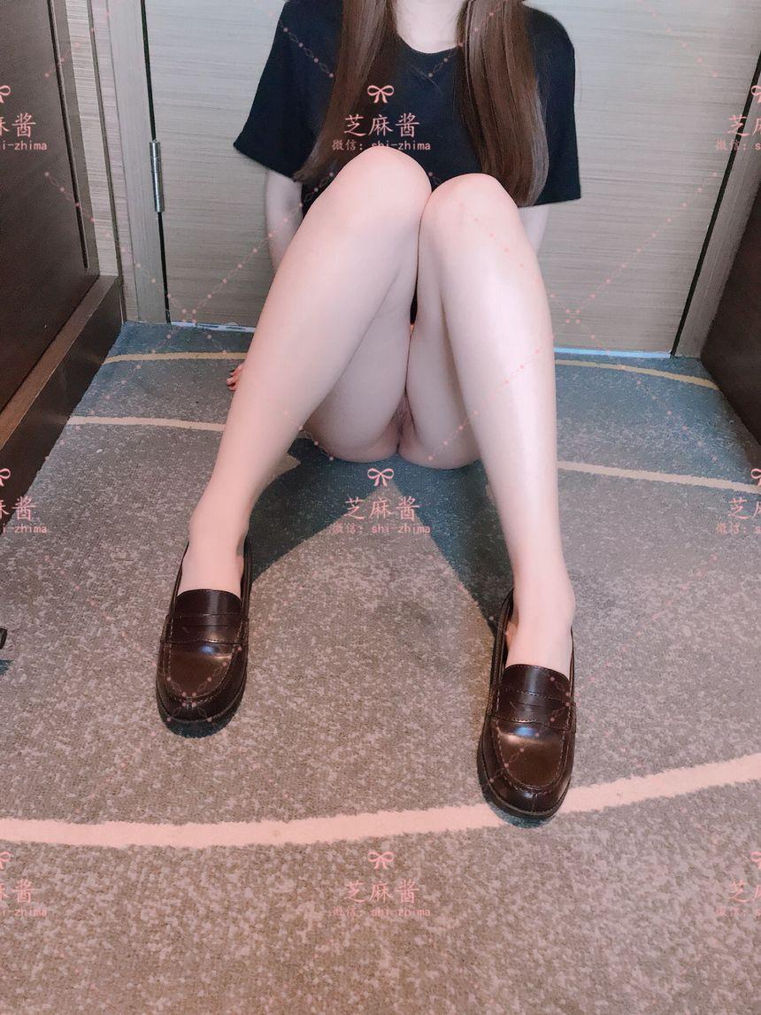 極品網絡紅人芝麻醬黑絲T恤無聖光套圖 - (38P)