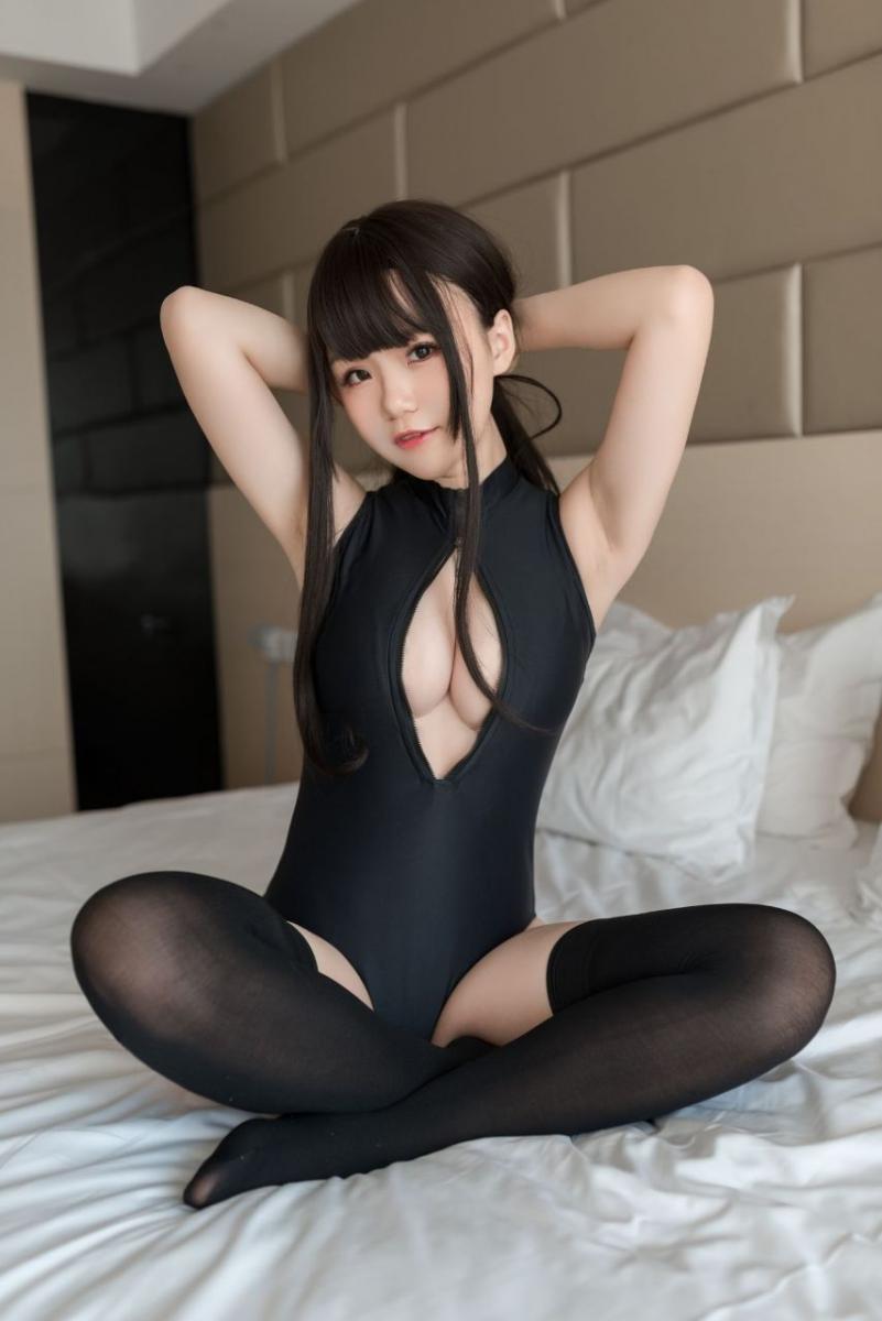 Yoko宅夏Cos 開胸泳衣2 - Very cute girl - (28P)